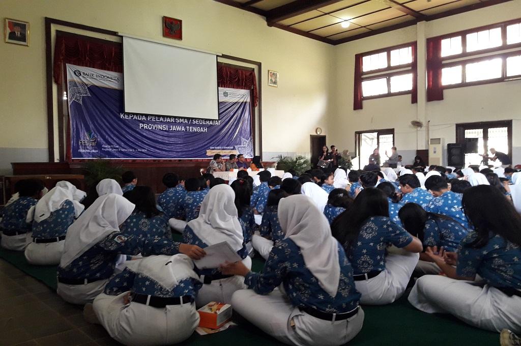 Ratusan Siswa di Semarang Dikenalkan dengan Sistem Ekonomi Syariah
