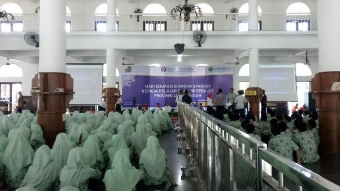 Ribuan Pelajar Ikuti Hari Edukasi Ekonomi dan Keuangan Syariah di PPMI Assalaam Sukoharjo