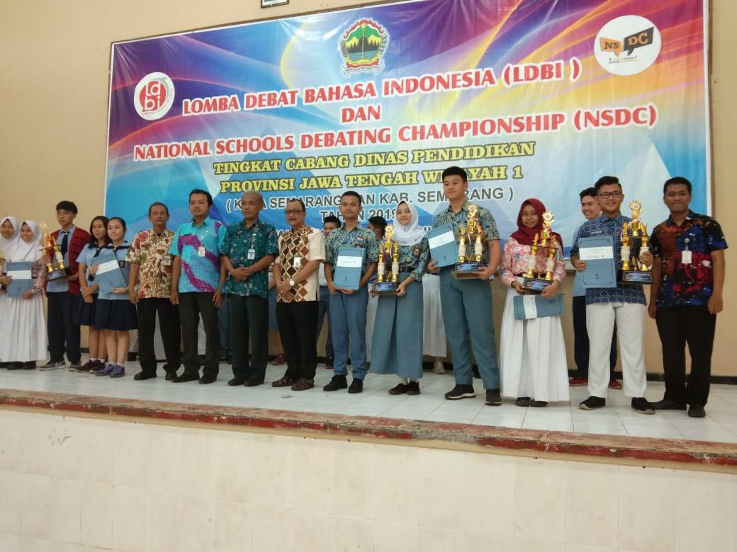 Sukses meraih Juara 3 dan Best Speaker 1 lomba debat Bahasa Indonesia, Marchelio Rotoro  mewakili CABDIN 1 di Tingkat Provinsi