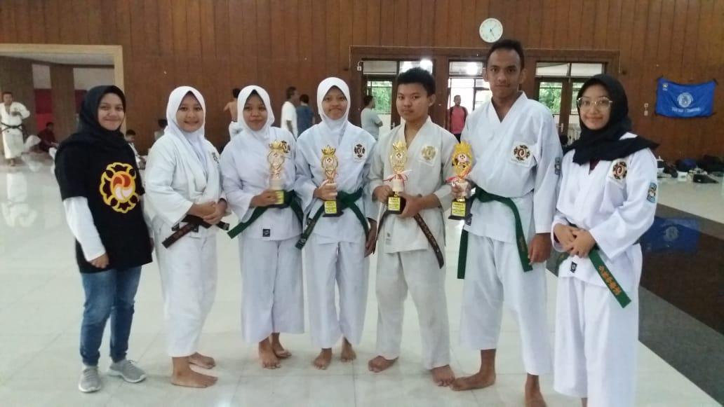 SMA Negeri 1 meraih kejuaran di ajang POPDA bidang TAekwondo