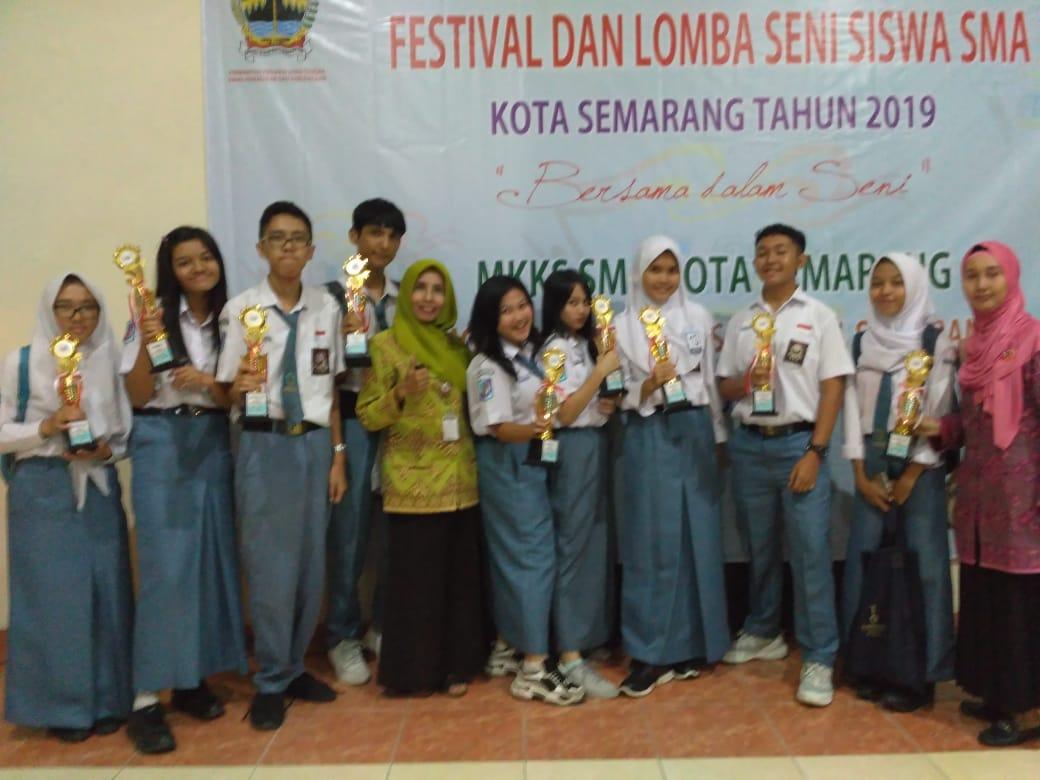 SMA Negeri 1 Semarang berhasil memborong kejuaran di FLS2N