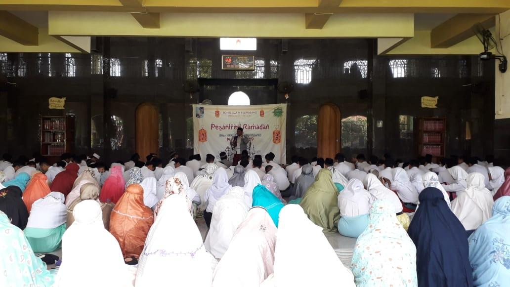 800an siswa SMAN 1 Semarang adakan pesantren ramadhan
